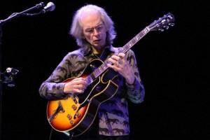 Steve Howe, guitarrista de YES